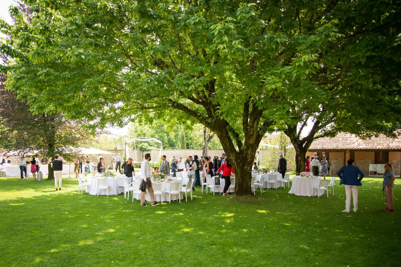 pranzo-in-giardino-la-corte-del-conte