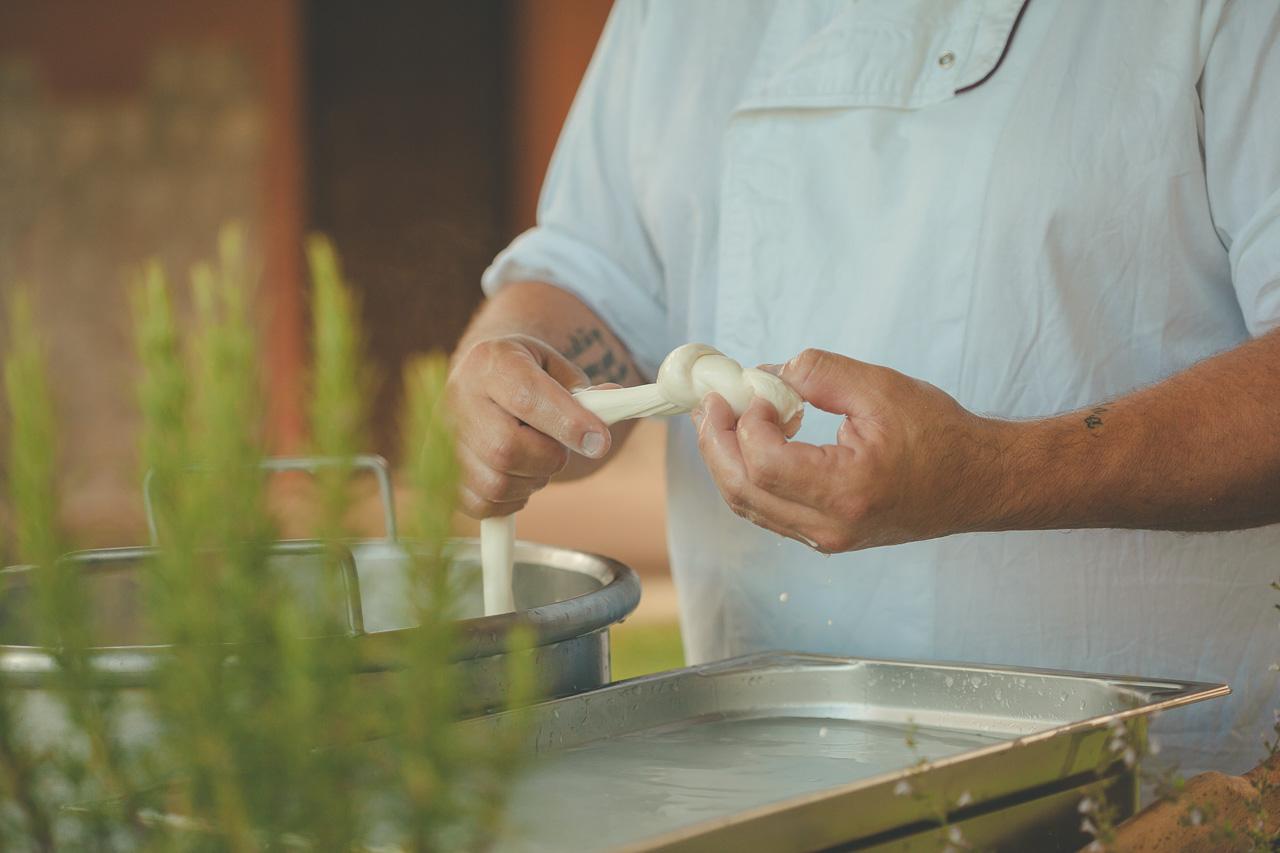 mozzarella-show-cooking-la-corte-del-conte